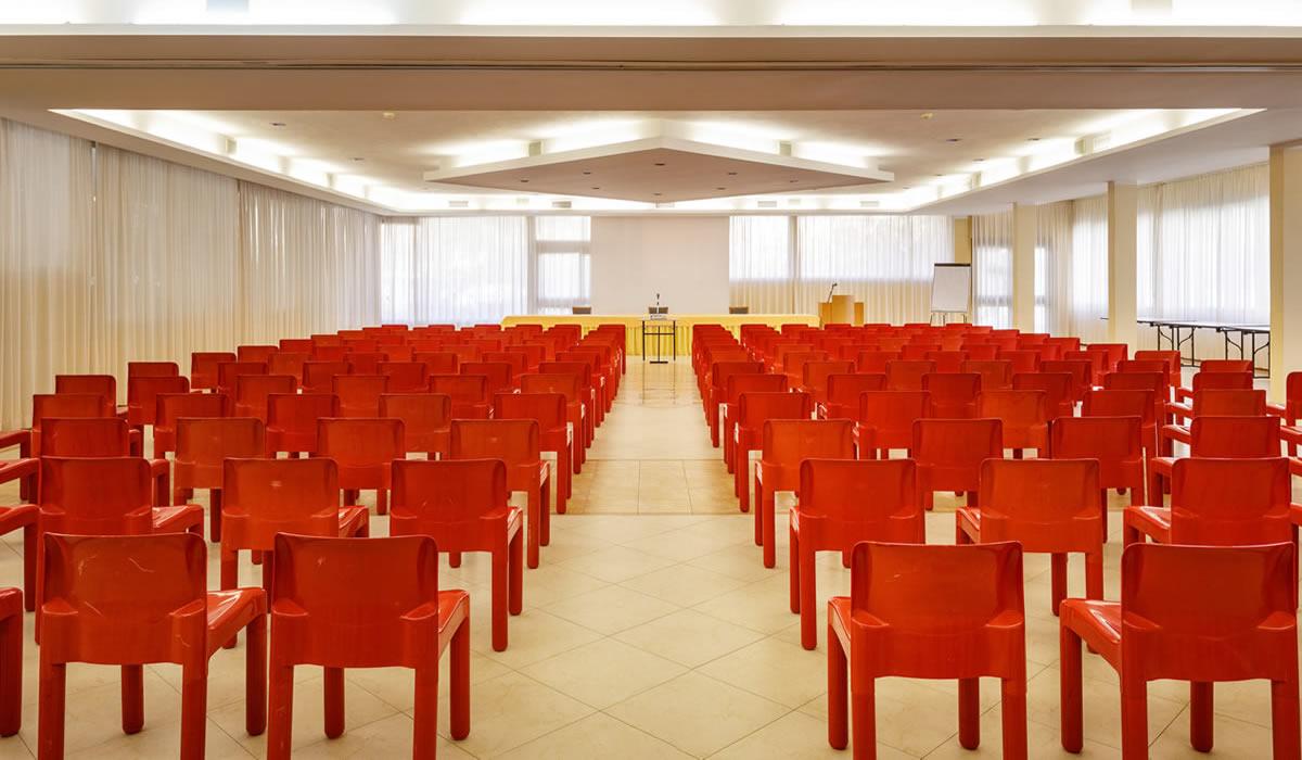 hotel-euro-nuoro-sardegna-sala-meeting-plenaria5