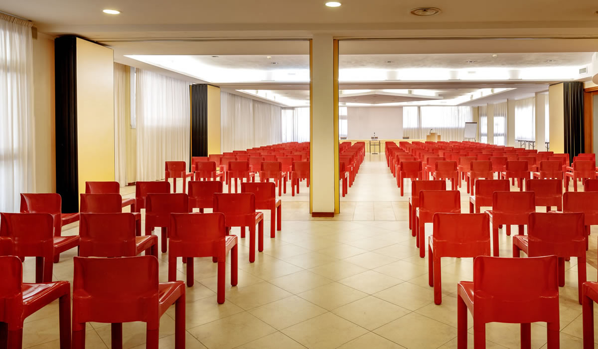 hotel-euro-nuoro-sardegna-sala-meeting-roma3