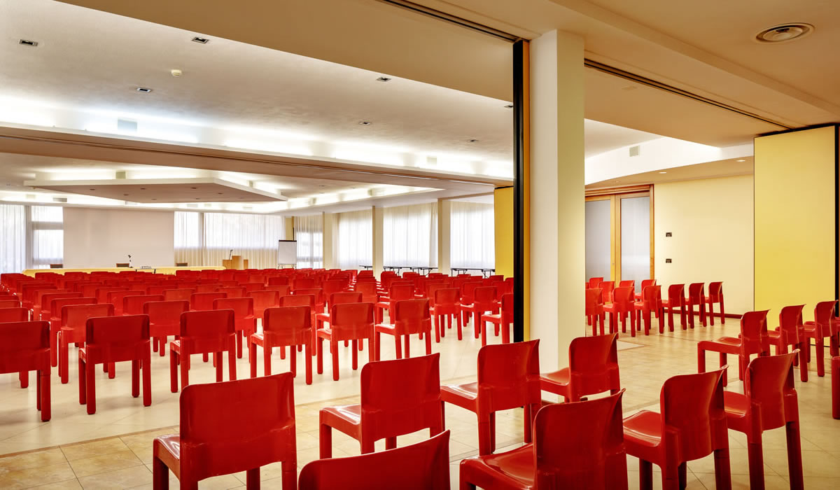 hotel-euro-nuoro-sardegna-sala-meeting-vienna3